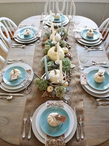 Set a beautiful Thanksgiving table this year!